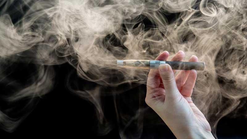 E-cigarettes less toxic to users than cigarettes, study says