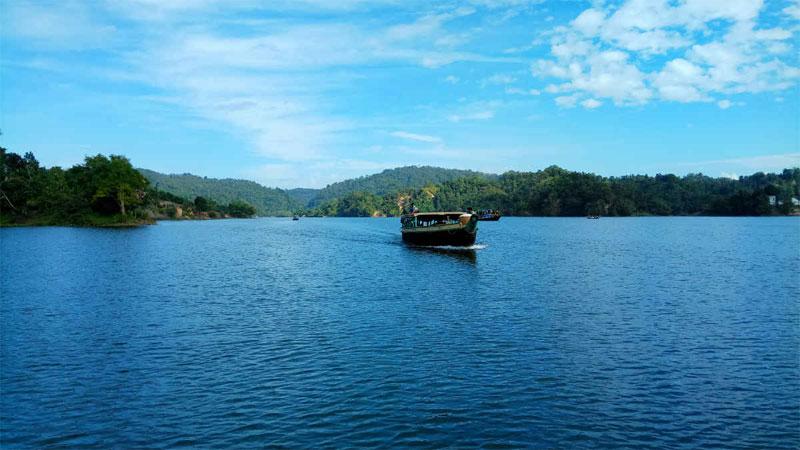 Visit Kaptai Lake for a breather