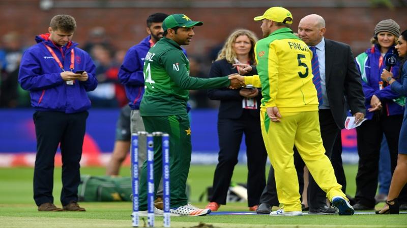 Pakistan bowl first against Australia