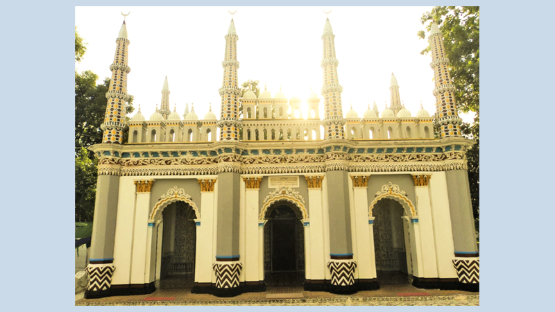 24-hr Quran recitation for 90 years at Dhanbari Nawab Palace mosque