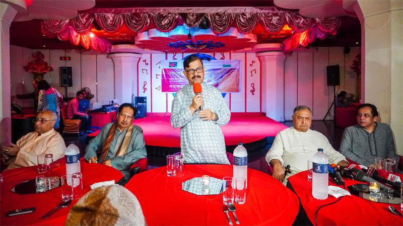 AL leader Faruk Khan joins Dr Kamal's iftar party