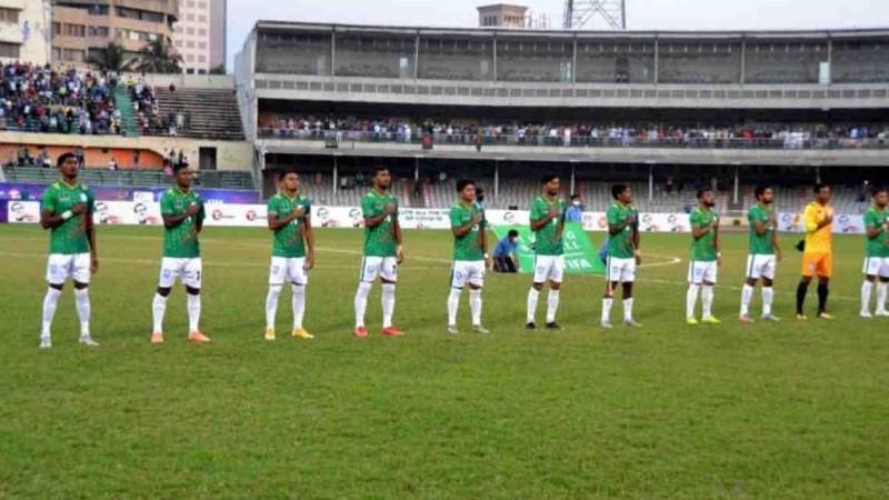 Bangladesh football team off to Qatar without Zibon, Manjurur