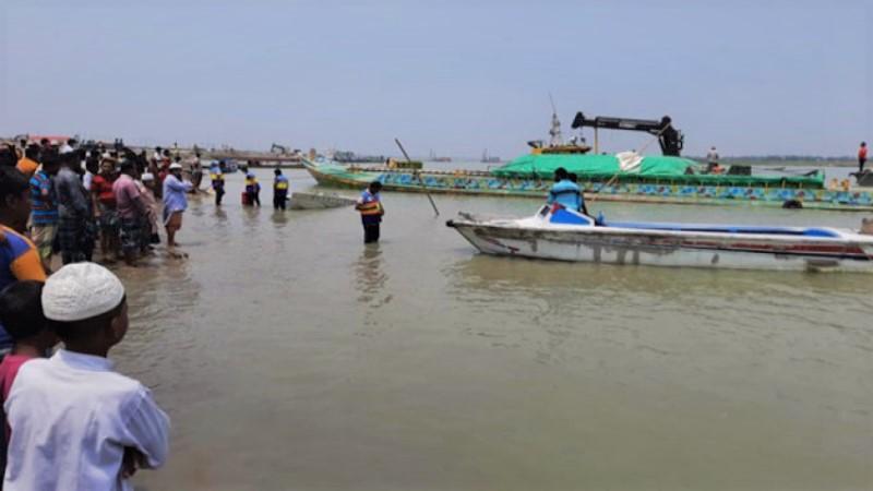 Speedboat sinks in Padma: Probe body formed