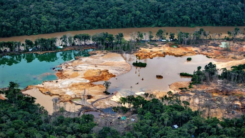 Gold rush fuels armed violence in Brazilian Amazon