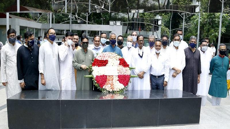 BGMEA leaders pay homage to Bangabandhu
