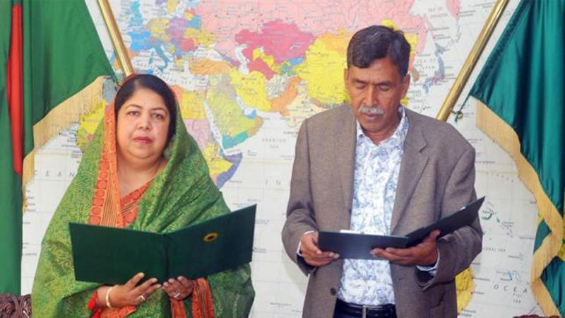 BNP's Zahidur takes oath as MP