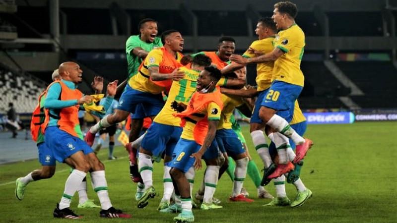 Copa America 2021: Late Casemiro goal gives Brazil 2-1 win over Colombia