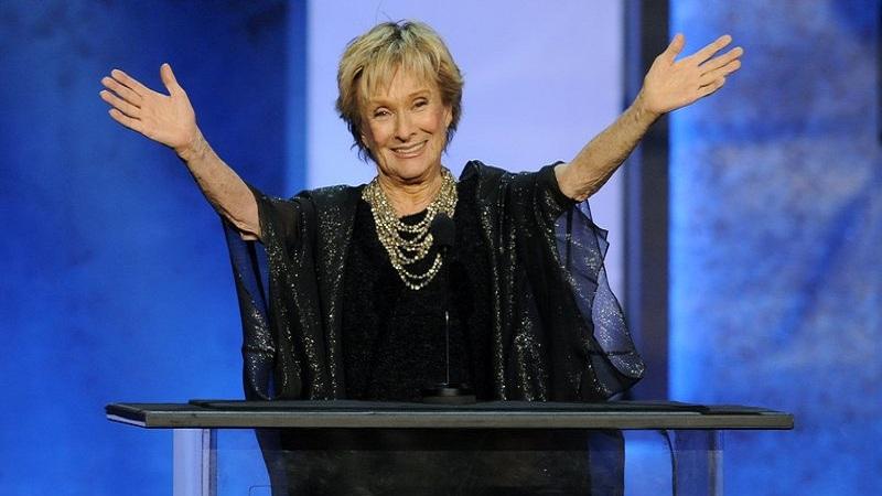 Oscar-winning, 'irreplaceable' Cloris Leachman dies