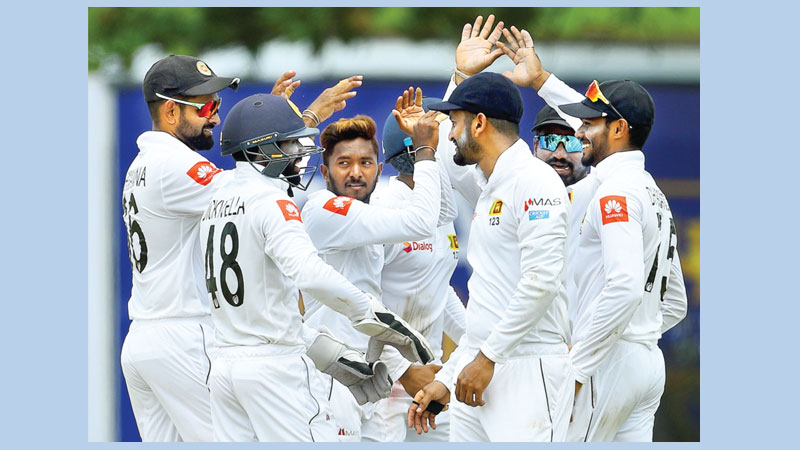 Dananjaya triggers NZ  batting collapse