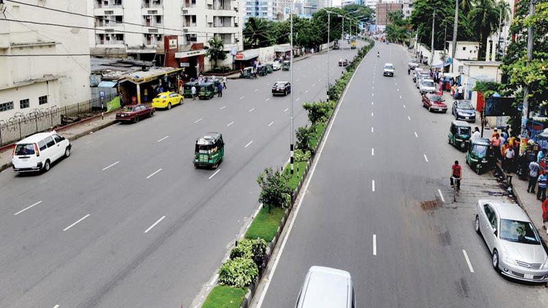 Dhaka wears deserted look