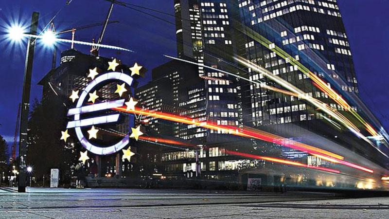 Eurozone firms keep borrowing as growth fears mount
