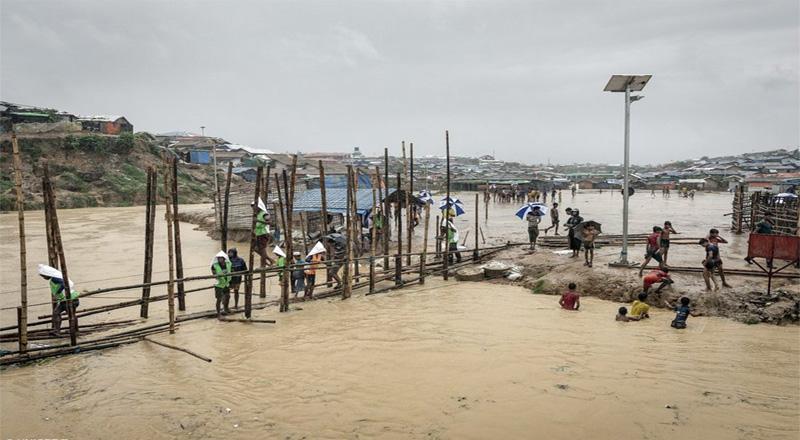 Monsoon floods hit Rohingya refugee camp in Bangladesh
