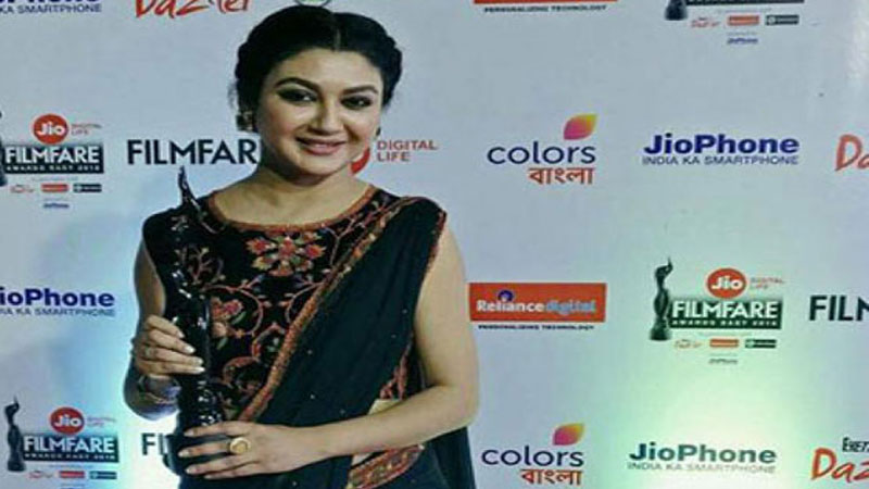 Joya Ahsan won the 3rd edition of Jio Filmfare Awards