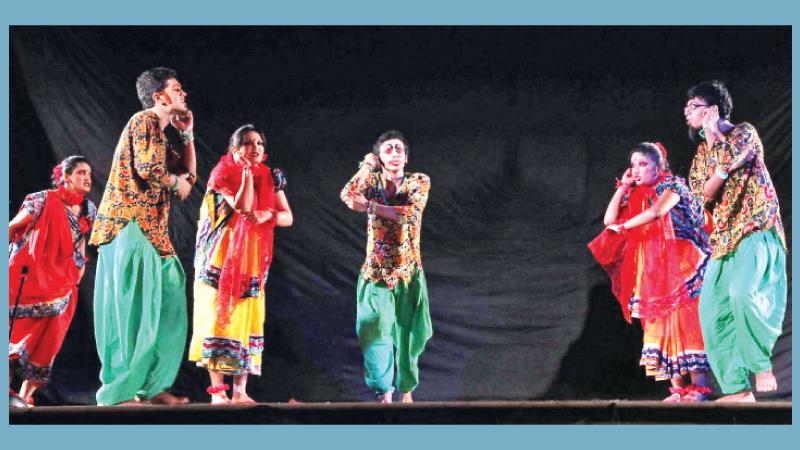 Prachyanat to stage 'Kinu Kaharer Thetar' at Shilpakala Wednesday
