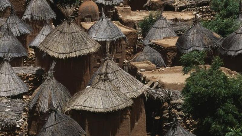 Mali attack: '100 killed' in ethnic Dogon village