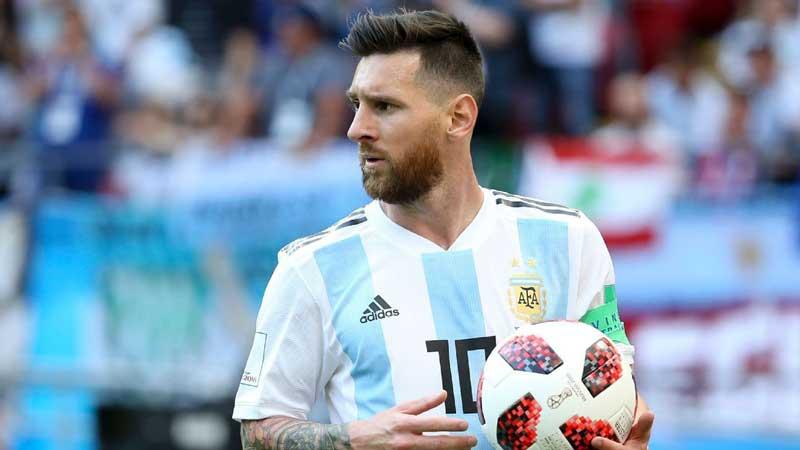 Messi 'under no pressure to return for Argentina'