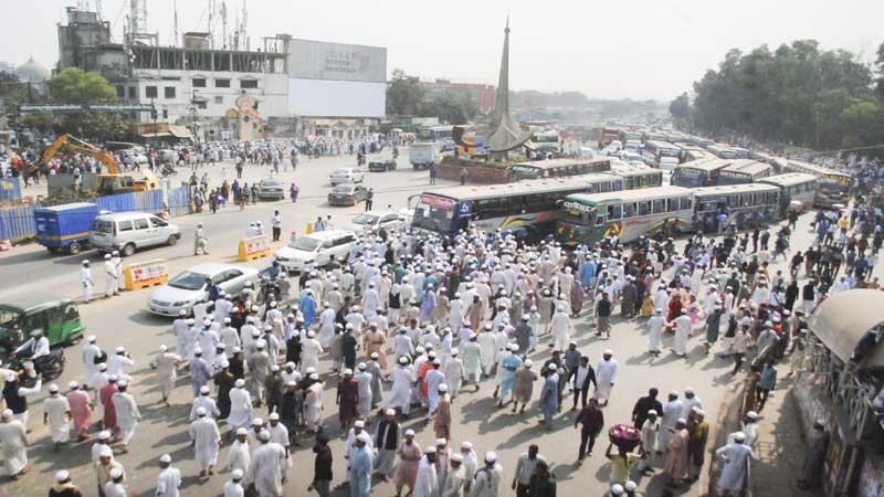 1 killed, around 200 injured in Tabligh Jamaat's factional clash