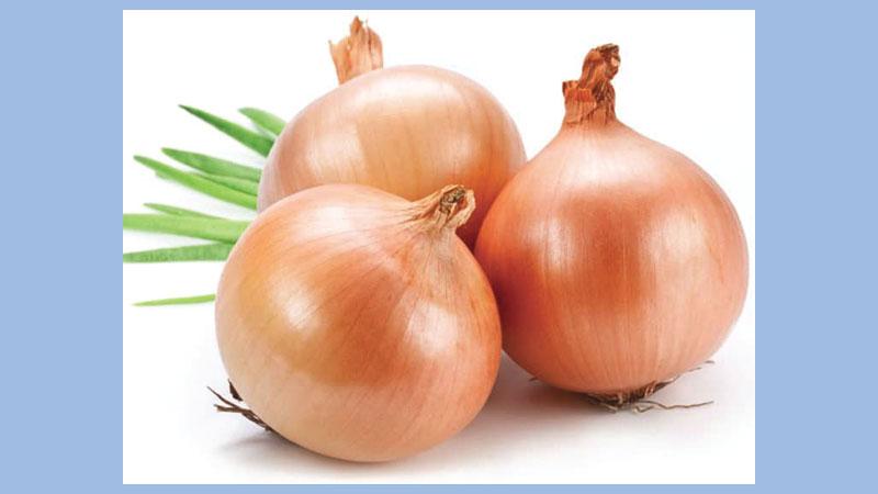 Onion price will come down soon: Commerce secretary