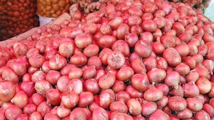 Govt withdraws onion import duty; 10% slash for sugar