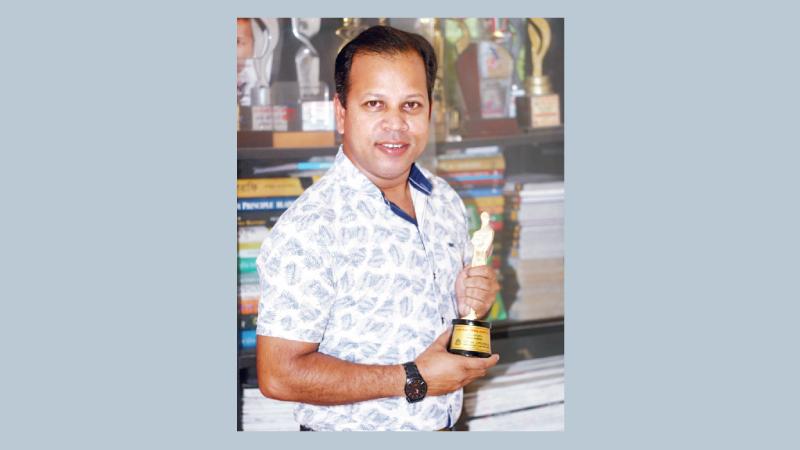 Ovi Moinuddin awarded again