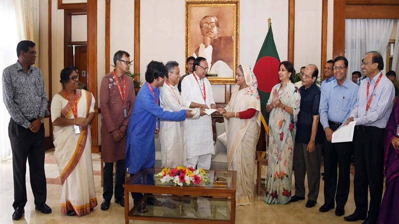 PM provides Tk 20cr to journalist welfare trust fund