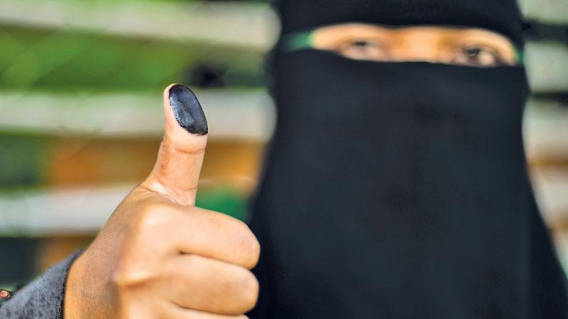 Philippines seeks peace with Muslim self-rule vote