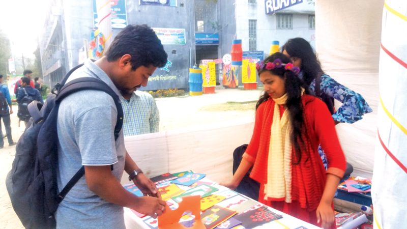 RU students popularise handicrafts