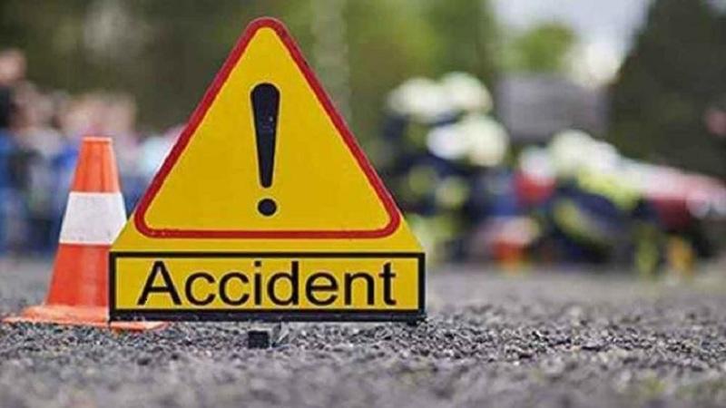 Cop killed in Natore road crash