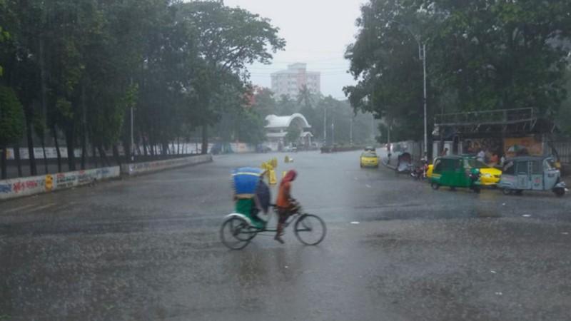 Rain brings relief to Dhaka dwellers
