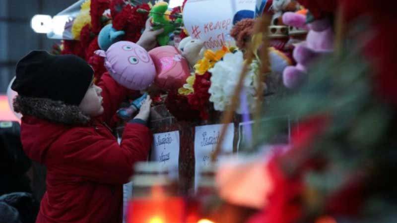 6 children among 10 dead in Russia house fires