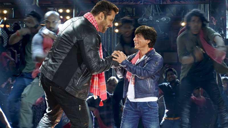 SRK, Salman's 'Issaqbaazi' winning hearts