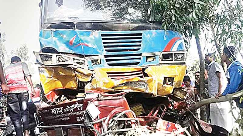 Seven die in Panchagarh road crash