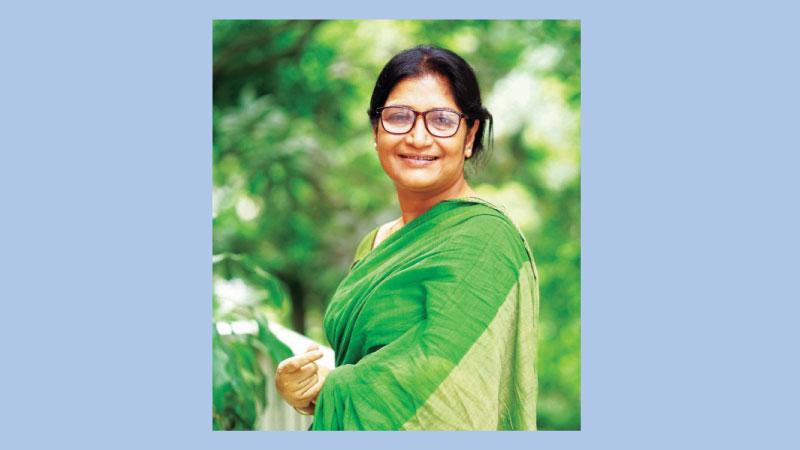 Apu in titular role of 'Amma'