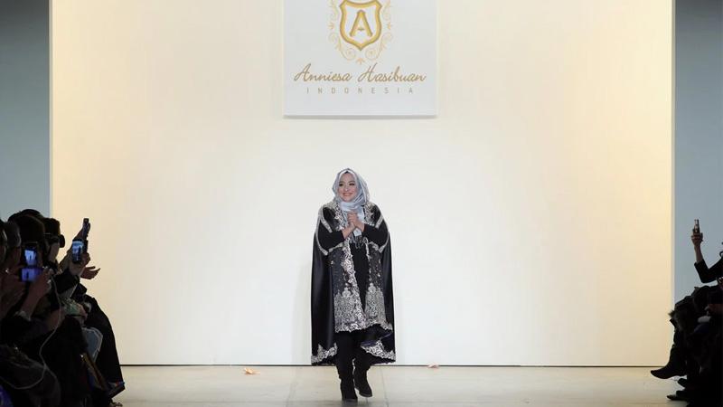 A Star of Islamic Fashion Falls