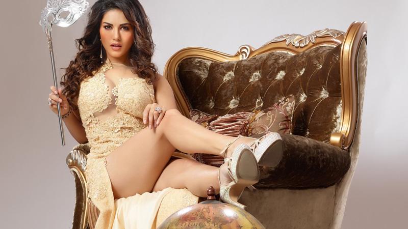 Sunny Leone uses F-word at Salman Khan's Bharat screening