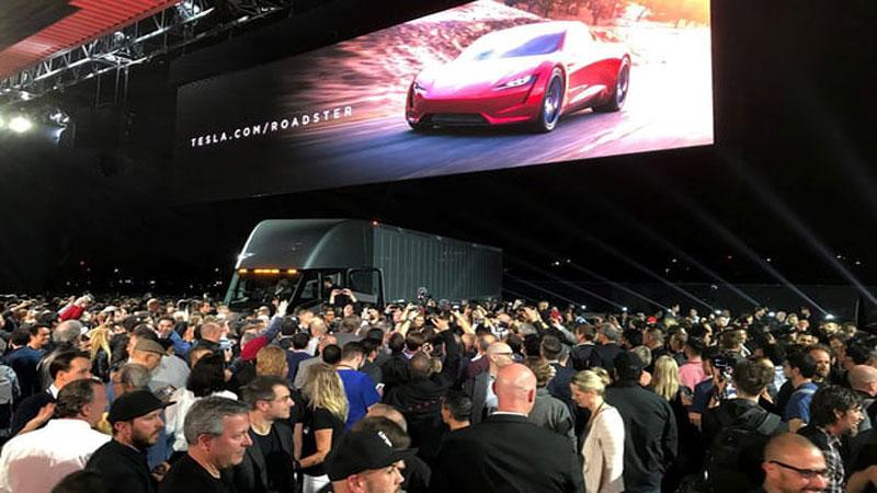 Elon Musk unveils Tesla electric truck