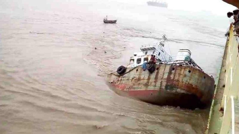 Another lighter vessel sinks near Mongla port
