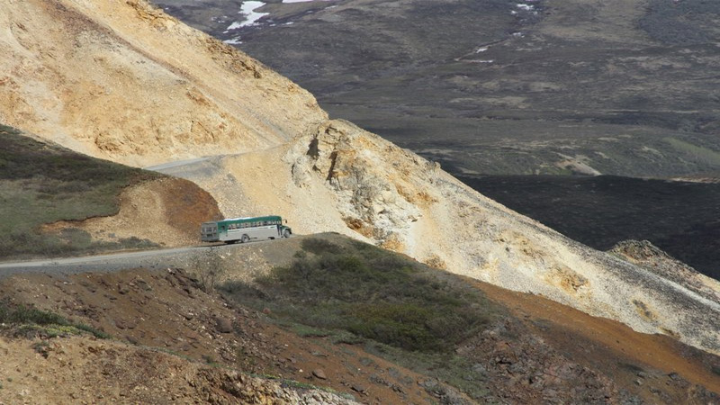 Crews reopen Denali park Alaska, tourist buses begin to return