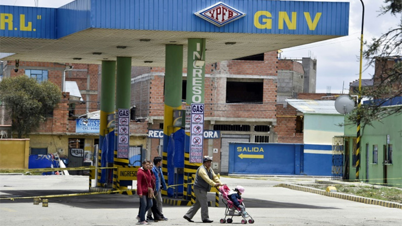 Gas, food running short in Bolivia amid protests