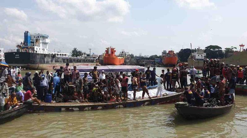 Launch capsize in Buriganga: Rescue operation resumes