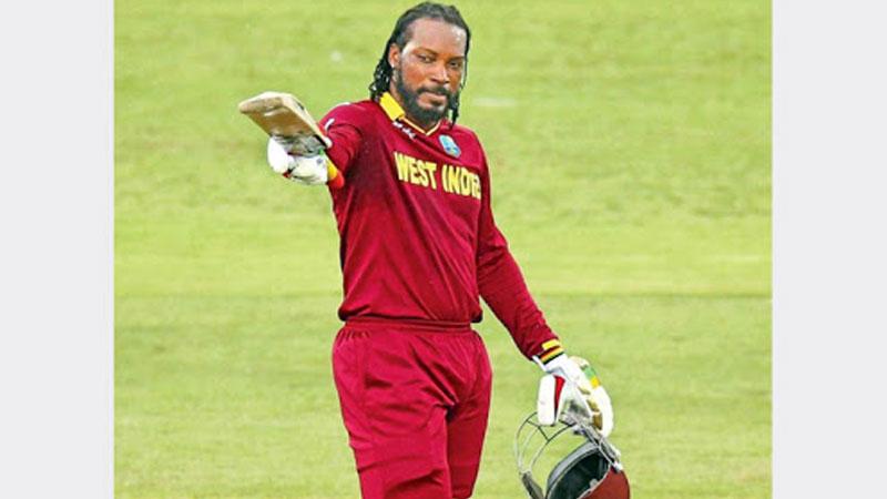 Gayle fined for flinging bat after missing IPL century