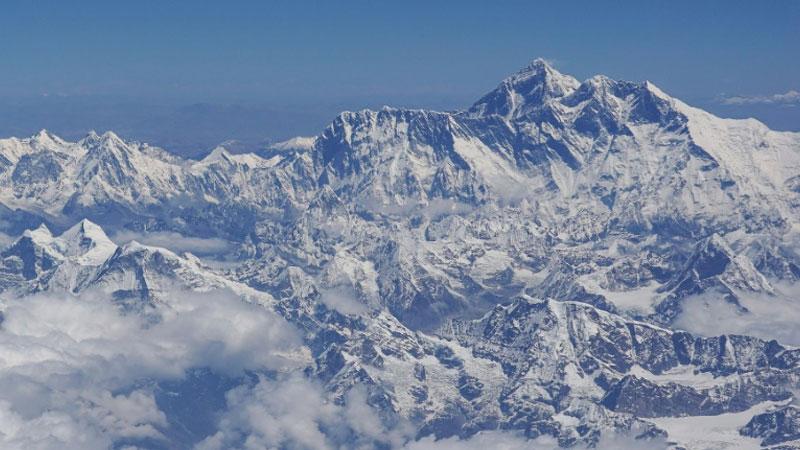 Coronavirus pandemic shuts down Everest