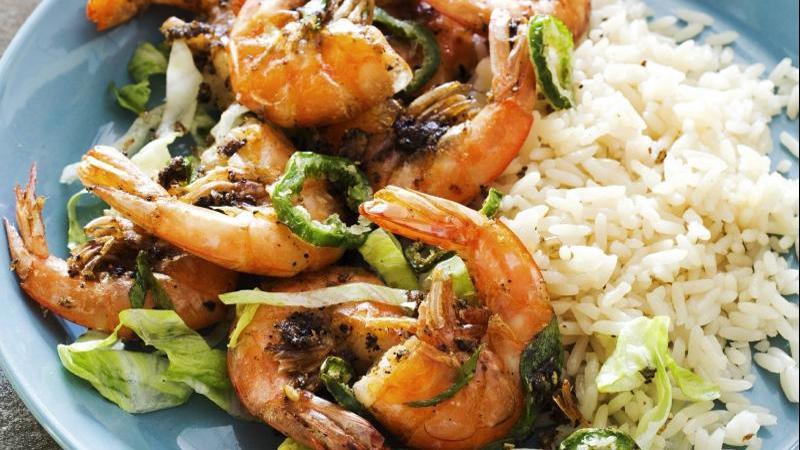 Spicy delight: Crispy salt and pepper shrimp