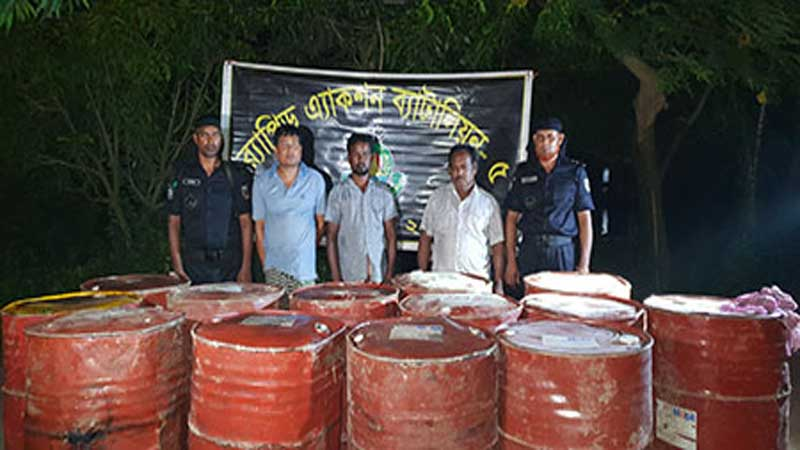 3 diesel thieves held in Natore