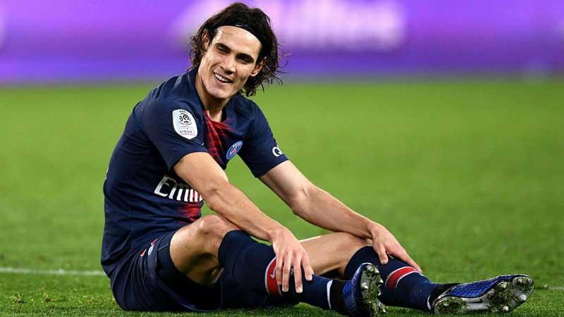 PSG star Cavani doubtful for Man United clash