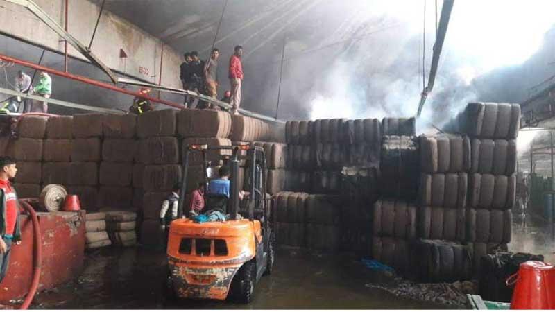 Fire burns Nat'l Jute Mills in Sirajganj