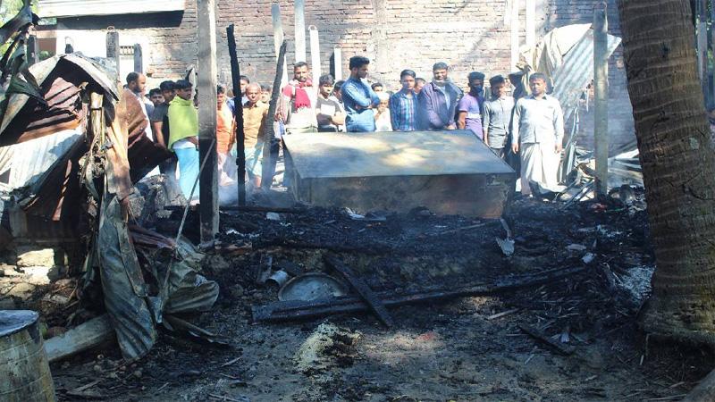 Man dies in Chattogram fire