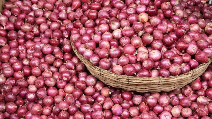 Onion price will come to a tolerable level soon: Razzaque