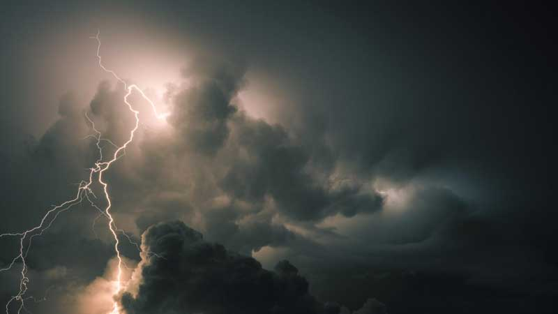 Lightning kills 2 in Chapainawabganj