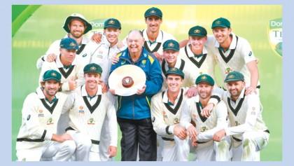 Australia thrash Pakistan with day to spare